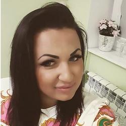 Justyna - Royal's Hair&Body