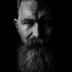 Sebastian Viking Chojnacki - Dostojne Chłopaki Barber Shop