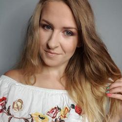Karolina - Pracownia Urody Efekt WOW
