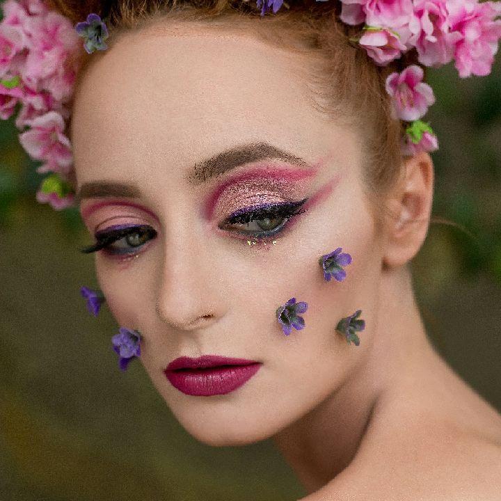 Mona Make up Artist