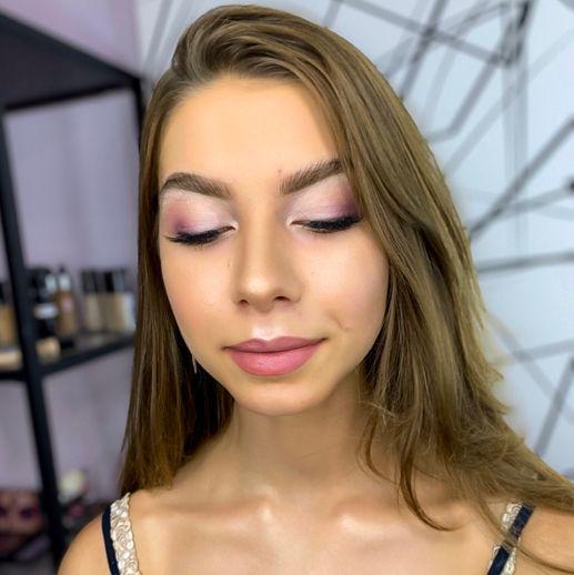 Lisa Make Up Artist