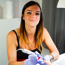 Paulina Surzyn - Essense Nails