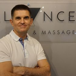CZAREK, trener EMS, sportowy, masażysta - PURE BALANCE EMS & MASSAGE