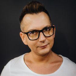 Tomasz - L'Or - Salony Fryzjerskie - Gryf