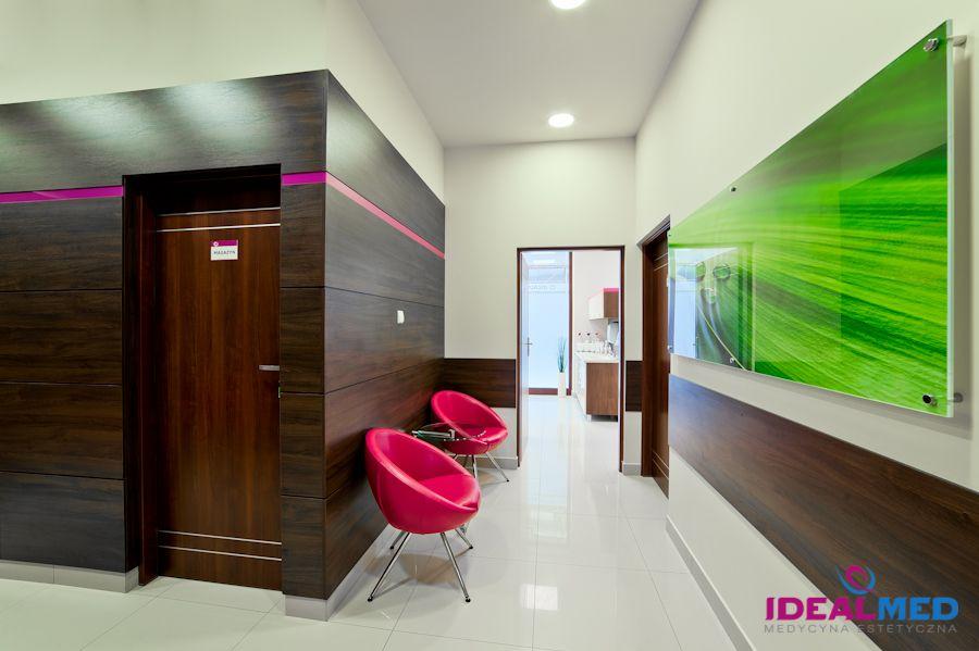 IDEAL MED                          Centrum Medycyny Estetycznej  i Laseroterapii
