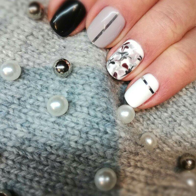 Salon Kosmetyczny, Paznokcie - Stardust nails&more