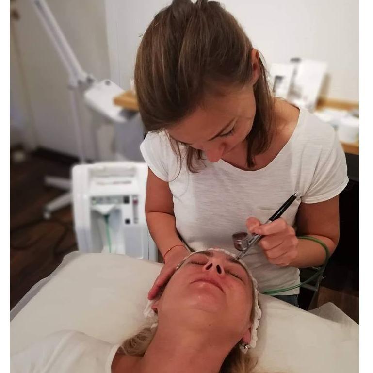 Salon Kosmetyczny, Brwi i rzęsy - Ślicznota