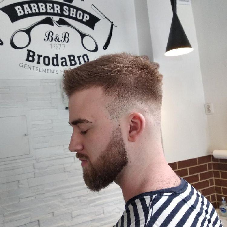 Fryzurę i brodę wykonał Barber Ruani. Combo-4