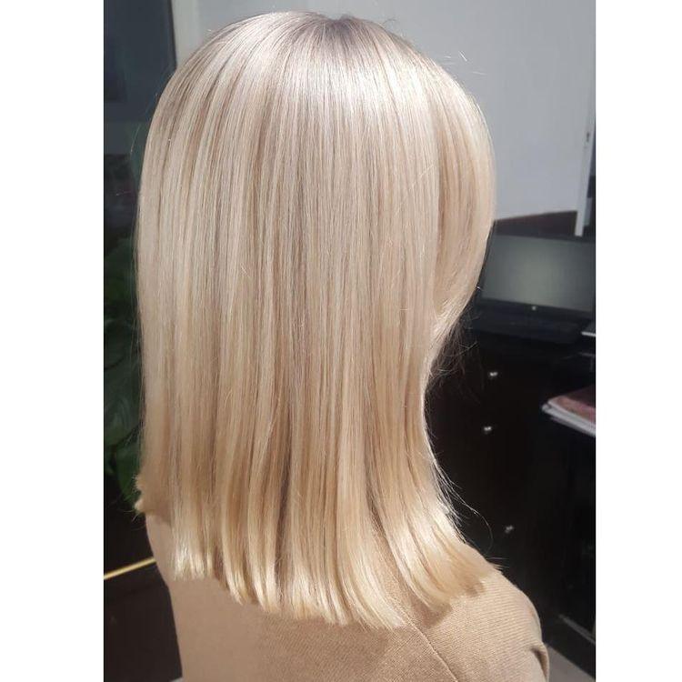 Piękny blond, strzyżenie i pielęgnacja w wykonaniu Iwony