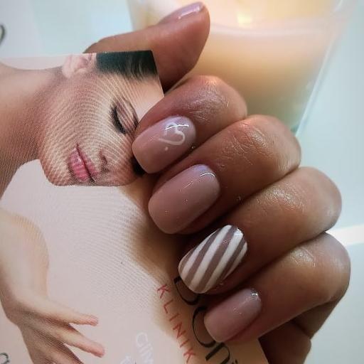 Salon Kosmetyczny, Paznokcie - Klinika Urody Bonjour