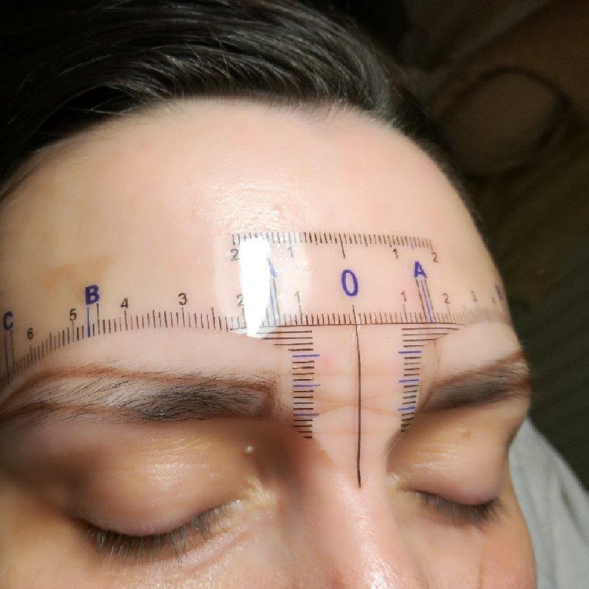 Salon Kosmetyczny, Medycyna Estetyczna, Brwi i rzęsy, Makijaż - Salon Fryzjersko-Kosmetyczny Aura