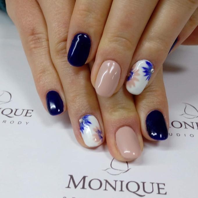 Salon Kosmetyczny, Paznokcie - Studio Urody Monique