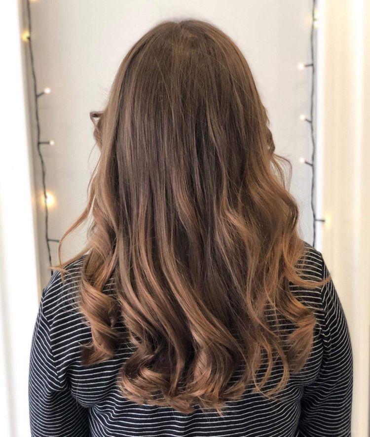 Strzyżenie damskie włosy długie