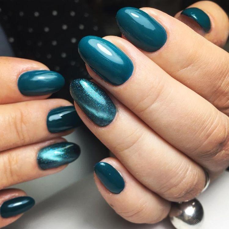 b'Manicure hybrydowy (kolor pod sk\xc3\xb3rki)'