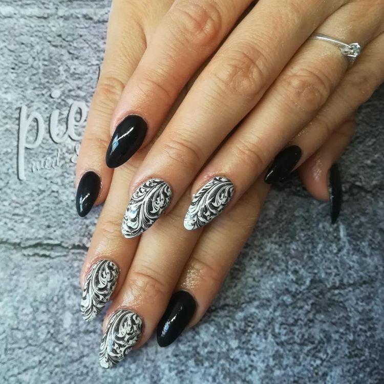 black&white  ~ Kasia