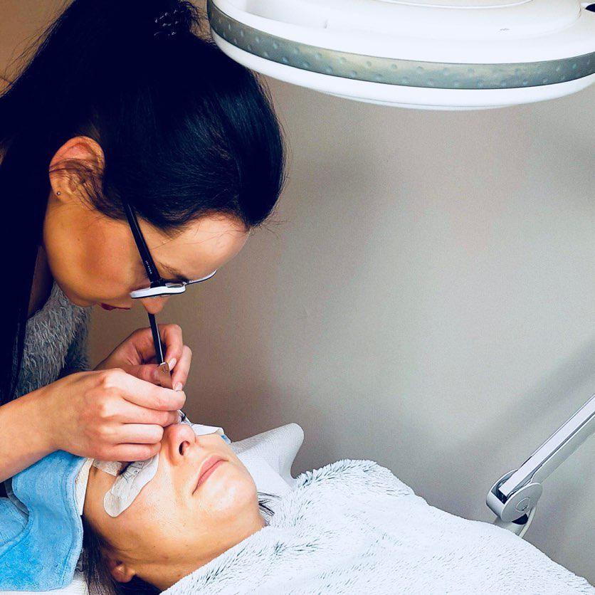 Masaż, Fizjoterapia, Salon Kosmetyczny, Podologia, Medycyna Estetyczna, Paznokcie, Brwi i rzęsy, Makijaż - Salon La Maddalena