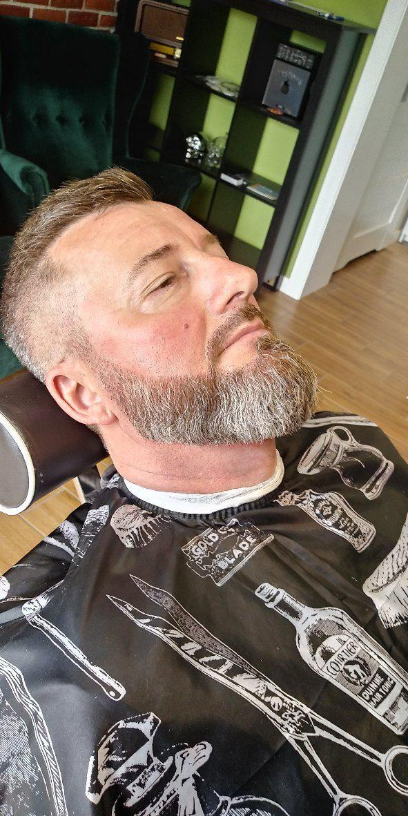 Barber shop - Grizzly's Barber Shop