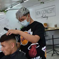 Esteban (pollo ) - Los Angeles Barbershop