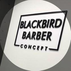 BLACKBIRD BARBER CONCEPT TUI, Rua o Rosal 3, 36715, Tui