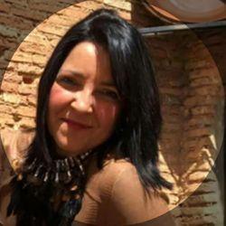 Juli Vázquez - Julia Pérez Formaciones, Estética Y Uñas