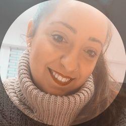 Julia Pérez - Julia Pérez Formaciones, Estética Y Uñas