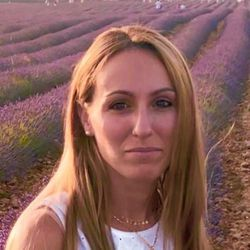 Sara - Carlotaleon