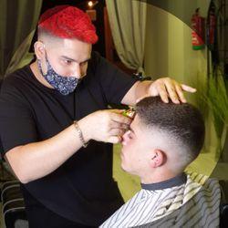 Juan - Palace barber (Sagrada familia)