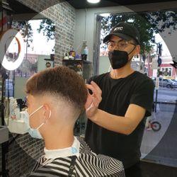Ronald - Palace barber (Sagrada familia)