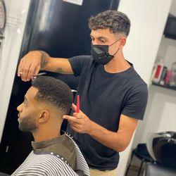 Manu Solis - Macho´s Barber Shop