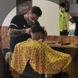 En Benalua , Caparrós - Caparrós Barber's