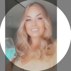 Demi Mcclelland - Rachelle Glass Hair