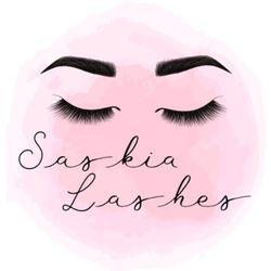 SaskiaLashes - The Pink Cabin