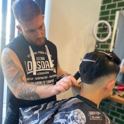 Joni - Headquarters barbershop