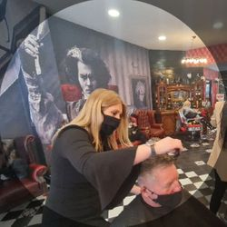 Meg - Brazuca B9 Barbers