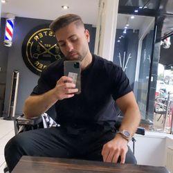 Adam dans - Master Barber
