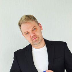 Pavel Goncarenko - Naetika Salon & Nail Academy