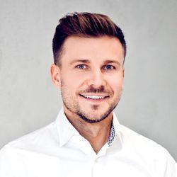 Tomasz Aksamitowski - Tomasz Aksamitowski Skincare & Smile