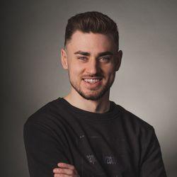 Piotr Adaszkiewicz - Pracownia fryzjerska CutCut