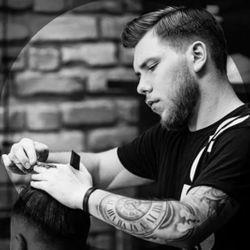 Konrad Angles and Davils Barber - HØVEL Barber Shop