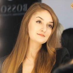 Weronika Gniadek INSTRUKTOR - Royal Lashes