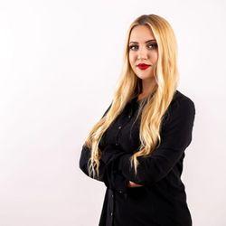 Anna - Vanilla & Słowianka Nail Trends