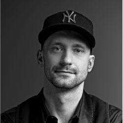 Przemek - HAIR Łubiński Kowalski   ( VIP ROOM )