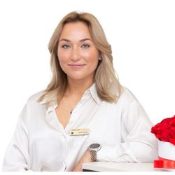 Joanna Malada - Avant-Garde Clinique