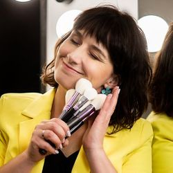 Anna Sass - Anna Sass Szkoła Wizażu & Make-up Team