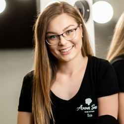 Iza - Anna Sass Szkoła Wizażu & Make-up Team