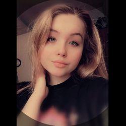 Emilia - Salon Fryzjerski Isabel Rynek8Katowice