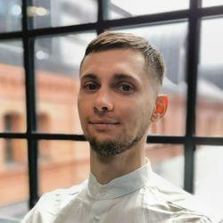 Aleksander Maksymowicz - Warszawska Izba Lordów Barber Concept al. Prymasa Tysiąclecia 64