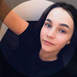 Anna Semenova - Stylizacja Paznokci Paulina Zagroba