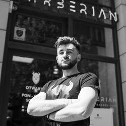 Jerzy Jurek - Barberian Academy & Barber Shop Emilii Plater 25 Warszawa