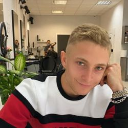 Jakub Hajdacz - JoyHair&Beauty Clinic Świętokrzyska 38/1B